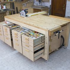 Homemade High Capacity Multi-Function Plywood Workbench Holzprojekte - wood working projects tools Homemade High Capacity Multi-Function Plywood Workbench wood projects - w