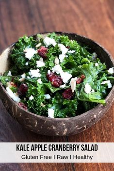 This kale apple cranberry salad is made with dried cranberries, apples and goat cheese that is topped with a mouth watering homemade honey dijon dressing. The sweetness from the kale salad with cranberries and apples complements the honey dijon dressing r Kale Apple Salad, Apple Cranberry Salad, Massaged Kale Salad, Kale Salad Recipes, Cranberry Recipes, Kale Salads, Clean Eating Salate, Yogurt, Paleo