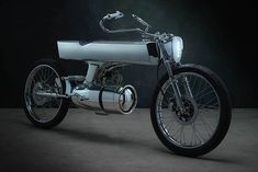 In the 1950's people had a glassy-eyed vision of the coming millennium. They imagined a jumpsuit-clad future with rocket-shaped cars and bikes to zoom around in. But now we're here now, and somehow we ended up with the Ford Taurus and the Yamaha TDM. But Singapore's Bandit9 aim to change that...