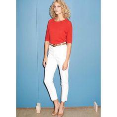 Le jean blanc @apc_paris taille haute, le chic en toute simplicité pour l'été ☀️ #APC