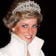 Duchess of Cambridge Kate Middleton wore one of Princess Diana's pearl and diamond tiaras on Tuesday, Dec. 8 — see the photos Princess Diana Height, Princess Diana Sisters, Princess Diana Death, Princess Of Wales, Royal Princess, Diana Spencer, Spencer Family, Charles Spencer, Lady Diana