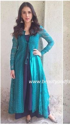 Best Fashion Ideas : For digital print suit with contrasting colour inside Pakistani Dresses, Indian Dresses, Indian Outfits, Indian Attire, Indian Ethnic Wear, Salwar Designs, Blouse Designs, Desi Clothes, Indian Designer Wear
