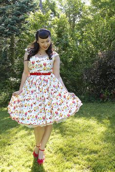 the soubrette brunette: Ice cream social Rockabilly Fashion, 1950s Fashion, Vintage Fashion, Rockabilly Style, Curvy Women Outfits, Plus Size Outfits, Clothes For Women, Vintage Dresses, Vintage Outfits