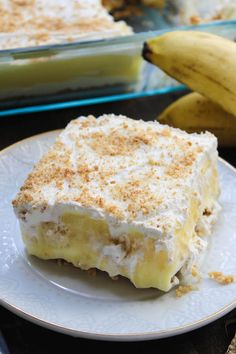 THIS NO BAKE BANANA PUDDING LAYER DESSERT HAS A VANILLA WAFER CRUST, CHEESECAKE, BANANA PUDDING, AND WHIPPED TOPPING. IT'S A BANANA PUDDING LOVER'S DREAM!