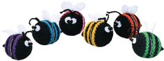 Bumble Bees PATTERN knit - experienced due to pattern in 2 languages. Easy to figure out if experienced. Knitting For Kids, Free Knitting, Baby Knitting, Free Crochet, Knitting Patterns, Yarn Animals, Crochet Animals, Crochet Crafts, Diy Crafts