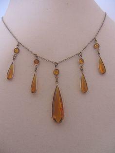 Vintage Art Deco Faceted Golden Amber Tear Drop Glass Necklace
