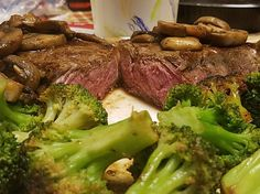 [Homemade] Butter and garlic basted NY strip with broccoli and mushrooms