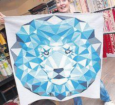 Ein Löwenkopf in Blautönen ist eine ambitonierte Arbeit Niemanns.