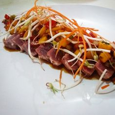 Tuna Tataki Mango Pico de Gallo Soy Sprouts. #tataki #tuna #kitchenlife #sushigangsta #culinarywarriors #cartelkitchen #sushi #sushilatino #sushiworld #sushichef #chefsquad #cheflife #chefsofinstagram #cooking #cooklife #cook #truecooks #truecooksstreetteam#hardwork #dedication #sushilovers #sushiart #foodporn #foodie #foodlovers #igers #nayarit #mexico by alex.moreno_cook