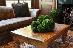Classy coffee table  www.bella-marie.com