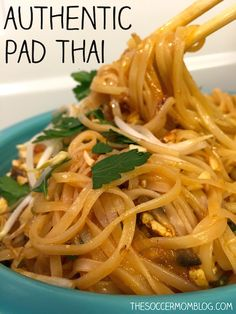 Pad Thai (Ready in 30 Minutes!) An easy and authentic Pad Thai noodle recipe to make your favorite take-out dish at home.An easy and authentic Pad Thai noodle recipe to make your favorite take-out dish at home. Thai Cooking, Asian Cooking, Cooking Broccoli, Vegetarian Recipes, Cooking Recipes, Healthy Recipes, Vegetarian Pad Thai, Healthy Rice, Cooking Games