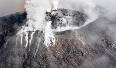 El volcán de Colima el 1 de octubre de 2016.  Nuevas explosiones del volcán Colima en México obligan a evacuar las comunidades vecinas La altura de los gases ha superado los tres kilómetros sobre el nivel del cráter