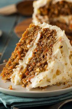 So festlich: Verführerische Möhren-Frischkäse-Torte Homemade Carrot Cake, Best Carrot Cake, Ultimate Carrot Cake Recipe, Cake With Cream Cheese, Cream Cheese Frosting, Buttercream Frosting, Frosting Recipes, Cake Recipes, Easy Cakes To Make