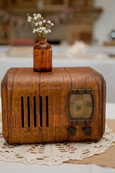 Well used Emerson radio from the 30′s -