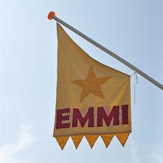 Toefje Roze: De vlag hangt uit voor het zusje van Mart :)!