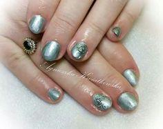 Metallic silver nails embossed rose