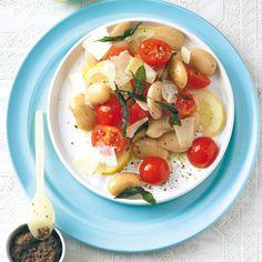 Herrlich mediterran: Der Bohnensalat ist perfekt für zwischendurch und schmeckt durch die Zitrone schön frisch. Foto: Thomas Neckermann