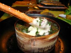 Baked Camembert Cheese with Red Wine and Thyme |