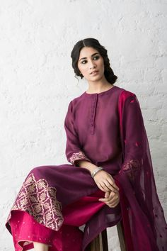 Image may contain: 1 person Pakistani Dresses, Indian Dresses, Indian Outfits, Kurta Designs, Indian Designer Wear, Indian Wear, Asian Fashion, Designer Dresses, Designer Clothing