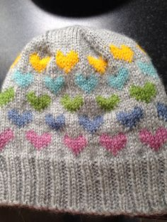💙Heart hat💜 inspired by one I found here: www. Look What I Made, Pickles, Knitted Hats, Inspired, Knitting, Heart, Inspiration, Fashion, Biblical Inspiration