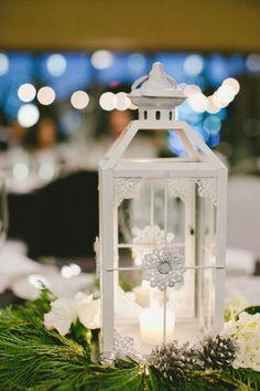 idée de déco de centre de table mariage avec lanterne blanche