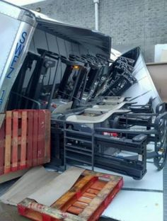 One or two trucks beyond capacity? Safety Fail, Fork Lift, Warehouse Management, Safety First, Stapler, Lifted Trucks, Health And Safety, Swift, Fails