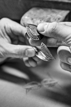 Calligraphique bracelet - Savoir-Faire #revesdailleurs #highjewelry #boucheron