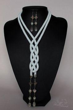 Jewelry Knots, Jewelry Crafts, Handmade Jewelry, Jewellery, Crochet Necklace, Beaded Necklace, Beaded Bracelets, Necklaces, Bead Crochet Rope
