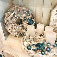 Christmas Advent Wreath, Winter Christmas, Christmas Home, Christmas Crafts, Christmas Decorations, Advent Wreaths, Xmas, Diy Wreath, Ornament Wreath
