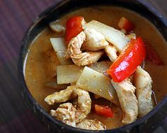 Thai Chicken Curry with Bamboo Shoots - Easy Recipes at RasaMalaysia.com