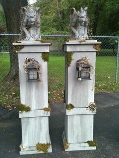 Halloween Grabsteine -:- Halloween Tombstones Name: cemetery columns Views: 1027 Size: KB Halloween Prop, Halloween Outside, Halloween Graveyard, Halloween Yard Decorations, Outdoor Halloween, Halloween 2019, Holidays Halloween, Halloween Forum, Diy Halloween Pillars