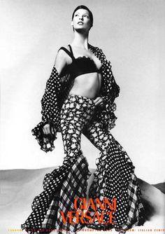 Model/Linda Evangelista. Gianni Versace 1993.