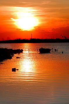 Il tramonto sul golfo di #Taranto #Sole