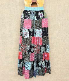Toda a beleza e delicadeza das saias patchwork indianas.  Por apenas R$ 6990.  Saiba mais pelo nosso Whatsapp: 13982166299