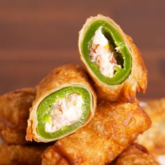 Jalapeño Popper Egg Rolls Are The Appetizer To End All Appetizers is part of Egg roll recipes - Check out this easy recipe for the best Jalapeño Popper Egg Rolls from Delish com! Finger Food Appetizers, Appetizer Recipes, Appetizers Superbowl, Recipes Dinner, Lunch Recipes, Egg Roll Recipes, Recipes With Egg Roll Wrappers, Eggroll Wrapper Recipes, Bacon Recipes