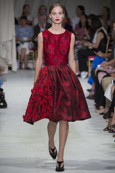 See the complete Oscar de la Renta Spring 2016 Ready-to-Wear collection.