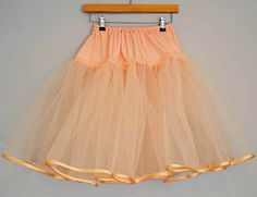 How to make an easy tulle petticoat -DIY