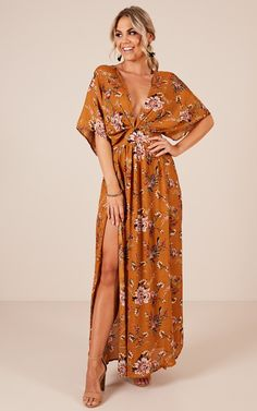 Vacay Ready Maxi Dress In Mustard Floral Showpo Vacay Ready Maxi dress in mustard floral – 6 (XS) Maxi Dresses Maxi Dress Wedding, Floral Maxi Dress, Lace Dress, Dress Up, Moda Mania, Cheap Online Clothing Stores, Family Picture Outfits, Look Boho, Celebrity Dresses
