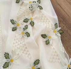 Alıntı Irish Crochet Patterns, Baby Knitting Patterns, Crochet Designs, Crewel Embroidery, Hand Embroidery Designs, Crochet Flowers, Crochet Lace, Filet Crochet, Crochet Stitches