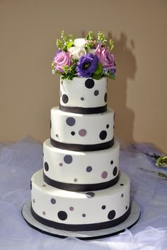 Polka dots! By The Cake Studio