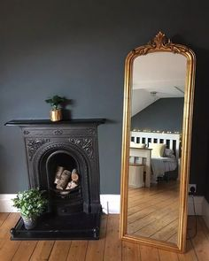 Step inside Claire's beautiful Victorian terrace - a pink front door, a freestanding bath and a black Smeg fridge is just the tip of the iceberg. Modern Victorian Decor, Victorian Terrace Interior, Victorian House Interiors, Victorian Living Room, Victorian Fireplace, Victorian Homes, Victorian Bedroom Decor, Victorian Mirror, Victorian Architecture
