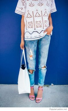 blue-jeans-white-lace-and-pink-sandals