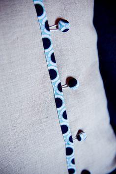 pillow back - no buttonholes!