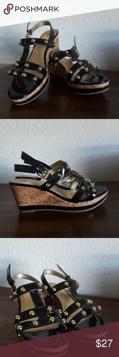 Wedge sandals Dexter Black, gold Wedges Size: 7M  These shoes have only been worn for a few hours and are in excellent used condition with no flaws. Dexter Shoes Wedges