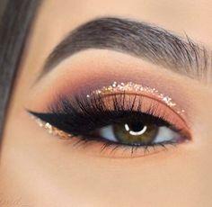 Charlotte Tilbury Luxus Make-up Sephora Huda Schönheit Natasha Denona Kyliecos Cute Makeup, Glam Makeup, Skin Makeup, Makeup Inspo, Eyeshadow Makeup, Makeup Inspiration, Makeup Brushes, Beauty Makeup, Beauty Ad