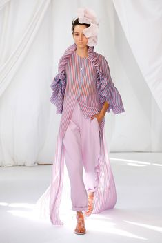 Delpozo Frühjahr 2019 Ready-to-Wear-Kollektion - Vogue # Spring Fashion Trends, Fashion Week, Look Fashion, Runway Fashion, High Fashion, Fashion Outfits, Womens Fashion, Fashion Design, Fashion Tips