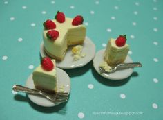 Dollhouse Miniature Food  Strawberry by ilovelittlethings on Etsy