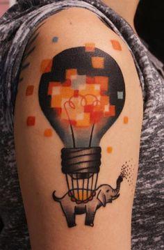 Tatuagem Braço Balão Elefante Fantasia Lâmpada Ombro por Sunrat Tattoo