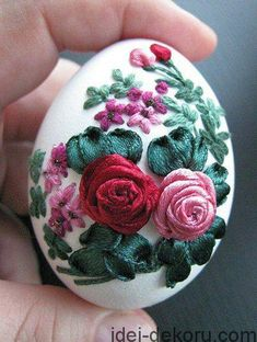 892c30d0dfef97beade0c26a446a494f Easter Art, Hoppy Easter, Easter Eggs, Embroidery Shop, Ribbon Embroidery, Egg Crafts, Easter Crafts, Types Of Eggs, Carved Eggs