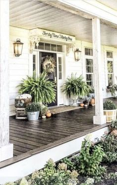 A front porch ideas pictures on a house is welcoming and functional. For gorgeous front porch ideas to brighten your home, have a look at our selection of suggestions. chairs front yard 16 Amazing Small Front Porch Ideas to Make Guests Feel Welcome Small Front Porches, Farmhouse Front Porches, Front Porch Design, Southern Front Porches, Summer Front Porches, Front Patio Ideas, Fromt Porch Ideas, Porch Designs, Patio Design